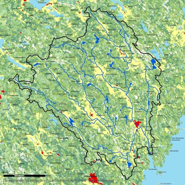 Kartta Hertsångerälvenin valuma-alueesta.